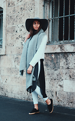 JANIKA BUBELA -  - WHITE BLAZER, SUEDE SHOES & GREY DETAILS