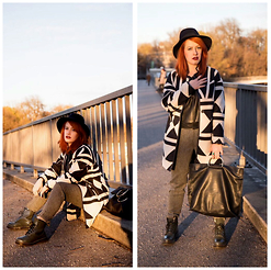 Amina Williams - Zara Bag, Zara Coat, H&M Trousers, Zara Leathershirt, Dr. Martens Shoes - ROSE DUST