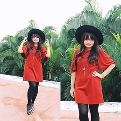 Mon - Zara Dress, Zara Wide Hat, Pocca Shoes - Marmalade