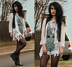 Tessa Diamondly - Dresslink Lace Kimono, New Dress Floral Playsuit, Zara Studded Leather Vest, Double Buckle Belt - Lacey flowers.