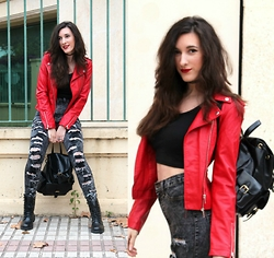 Cristina Z. - Pinkbasis Jeans, Rosegal Leather Backpack, Cndirect Crop Top - Dizzy