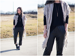 Jenaly Enns - Aritzia Triangle Scarf, Noul Oversized Top, Forever 21 Faux Leather Trousers - Stolen Moments