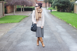 Jen Lou M - Zerouv Cat Eye Sunglasses, Topshop Camel Scarf, Asos Beige Turtle Neck Jumper, Monki Striped Turtle Neck Dress, Dorothy Perkins Black Leather Bag, Missguided Tan Knee High Boots - #StayWarmLB