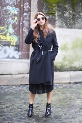 Patricia G. - Uterqüe Coat, Zara Dress, Bimba Y Lola Boots - Black 2.0