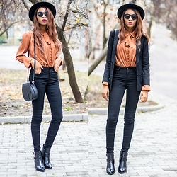 Onyinye Ibeagi - Sheinside Black Fedora Hat, Sheinside Long Sleeve Lapel Blouse, New Look Black Tall Skinny Jeans, Missguided Black Boots With Buckle, Monki Black Saddle Bag - Aint Laurent Without yves