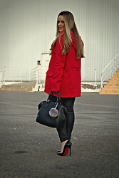 Emma MAS - Forever 21 Red Coat, Missguided Pompom, Bershka Shopper Bag, Mango Waxed Pants, Christian Louboutin Heels - CHRISTMAS OUTFIT