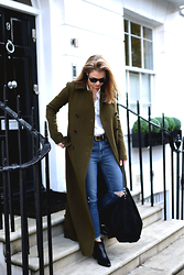 Style&Minimalism - Ace & Tate Black Sunglasses, Maison Standards White Oxford Shirt, Theory Long Military Green Coat, Paige Denim Blue Jeans, Danielle Foster Black Hobo Bag In Python Texture, Michael Kors Black Ankle Boots - Military Mood