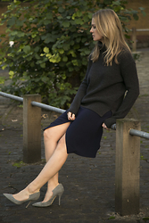 Style&Minimalism - Ille De Coco Dark Grey Roll Neck Jumper, Joseph Navy Wrap Skirt, Paul Andrew Pale Grey Heels - Shooting with Ille De Coco III