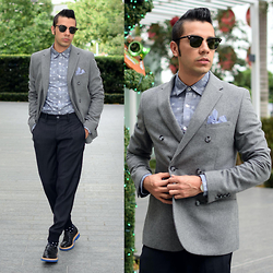 Franko Dean - Original Penguin Double Breasted Blazer, Original Penguin Smart Jogger, Original Penguin Chambray Shirt, Ray Ban Clubmaster Sunglasses, Maioun Loafers - Happy Holidays!!