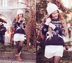 Stefanie - Ugg Boots, Asos Christmas Sweater, Primark Backpack - Merry Christmas