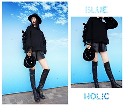 MOORE HO - Stella Mccartney Top, Zara Hat, 7arch Clutch - Blue holic