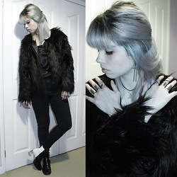 Lidia Zuin - Aiya Crescent Moon Choker, Sammydress Retro Boho Rings Set, Sammydress Faux Black Fur Coat, Calvin Klein Black Silk Top, Topshop Black Skinny High Waisted Pants, Miista Oreo Boots - Brought to the water