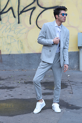 ONUR EROL -  - THE CASUAL SUIT