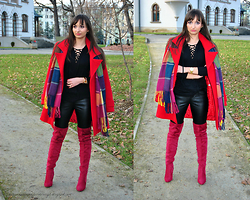 Natalia Uliasz - Blouse Laced, Scarf, Gold Watch, Mohito Leather Pants, Brilu.Pl Knee Boots - Black&Red