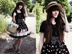 May Wildflower - Angelic Pretty Country Of Sweets, Baby, The Stars Shine Bright Lily Basket Bag, Naf Black Bows Sandals, H&M Straw Hat, Dreamv Black Bolero - Bittersweet Country