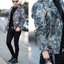 I N F A S H I O N I T Y a style story - Sandro Print Jacket, Diesel Jogg Jeans, Christian Dior So Real - PERFECT DAY