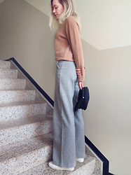 Martina M. - Vero Moda Beige Cashmere Sweater, H&M Wool Trousers, Tebian Hat - Holiday softness