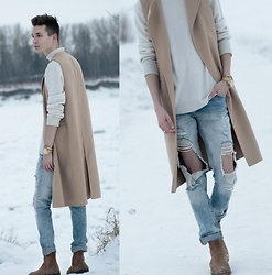 Andrew Eirich - Zara Waistcoat, Zara Distressed Denim, Aldo Suede Chelsea Boots, Simons Cashmere Turtleneck, Michael Kors Gold Runway Watch - Freeze Frame.