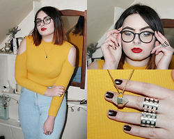 Margaret Blood - H&M Top, River Island Mom Jeans, H&M Crystal, H&M Glasses, H&M Rings - Happy New Year