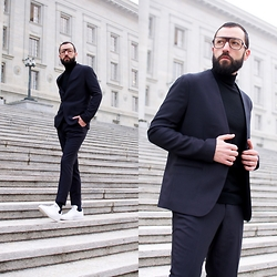 David Fernandez - Cutler And Gross Glasses, H&M Suit, Adidas By Raf Simons Sneakers - NYE