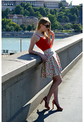 Andrea Szanyi - Andreaszanyi Cherry Skirt - Cherry red under the Sun
