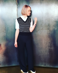 Lolo Buijs - Topshop Top, American Apparel Trousers, Sandro Trainers - Be who you are, not caring about the opinion of others.