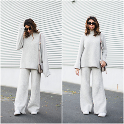 Storm West - Mango Sweater, Crossbody, Adidas Sneaker, Prada Sunnies - Cozy grey