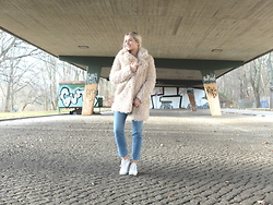 Miriam Mache - Esprit Coat, Reebok Shoes - Teddy Coat