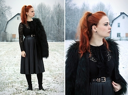 Katharina K. - Zara Dress, Kmb Overkneeboots, Balmain Coat, H&M Belt, Orelia Earcuff - Late Night