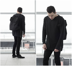 Patrick S - Asos Black Backpack, Skinny Jeans, Derby Shoes, Longline Sweater, Silver Ring - KUROI