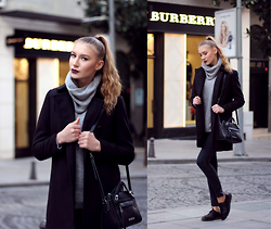 Diana Guţu - Nine West Bag, Mango Black Coat - Grey Sweater