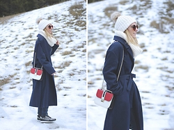 Mónica Sors - Shein Coat, Valentino Bag - MAXI COAT AND VALENTINO
