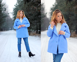 Wioletta Mary Kate -  - Baby Blue Coat & Mom Jeans