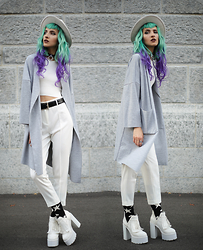 Gina Vadana - Young Hungry Free Boots, Happy Socks, Choies Coat, Style Moi Top, Lamoda Choker - MONOCHROME #2
