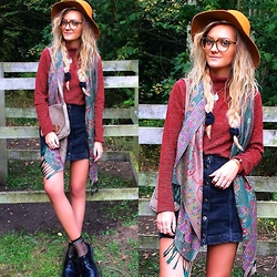 Amy Hallimond - Urban Outfitters Jumper, Topshop Skirt, Primark Scarf, Zara Hat, Asos Glasses, Dr Marten Shoes - Geek chic