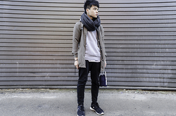 Charles C - H&M Grey Knit Sweater, Vero Moda Jacket, H&M Black Infinity Scarf, Bluenotes Jeans, Champion Sneakers - 7: Mute