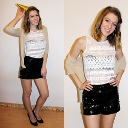 Enikő S. - Intimissimi Sequin Top, H&M High Waist Sequin Short, Zara High Heels - All that glitters