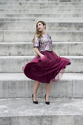 40 22 City lights - H&M Top, Voi Noi Black Heels, Lovink Burgundy Tutu Skirt - My theatrical moment