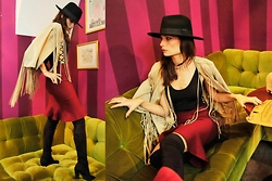FASHION MOODS - Imperial Suede Fringes Jacket, H&M Choker, Zalando High Boots, H&M Hat - WAY OUT WEST