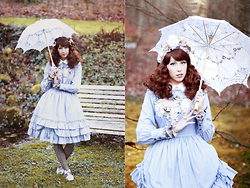Lunie Chan - Innocent World Blue Op, Candy Hashi Cult Party Kei Brooch, Abilletage Corset Tights - Under My Umbrella