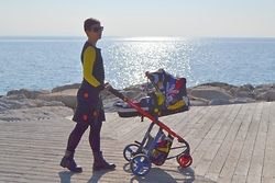 Miss Dee STyle - Cosatto Pushchair, Arka Hand Made, Croatia Yellow T Shirt - Back in Yellow !