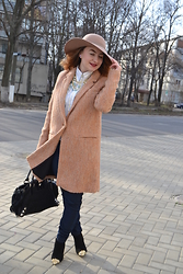 Christiné F - Primark Hat, Zara Coat, Zara Shoes, Terranova Pants, Guess Bag, Nautica Shirt - Cashmere touch