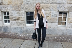 Verena S. - H&M Blazer, Vero Moda Lace Top, H&M Boots, Asos Bag - Lace Top