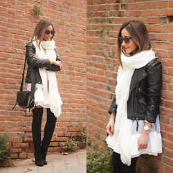 Besugarandspice FV - Sheinside Dress, Zara Jacket, Coach Bolso, Mango Sunnies, Mango Boots - Black Leather Jacket