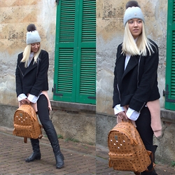 The Blonde Bliss - Mcm Backpack, Details On - Backpack is always a good idea