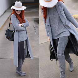 Tia T. - Esprit Bag, H&M Hat, H&M Sweater - All Grey