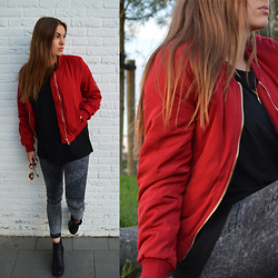 Odette - Unknown Bomber Jacket, H&M T Shirt - Red bomber jacket