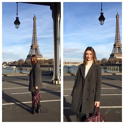 Julie - Lacoste Bag, Minelli Boots, Comptoir Des Cotonniers Coat, Maje Turtleneck, Levi's® Jeans - Afternoon in Paris