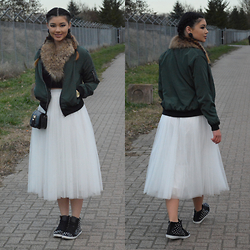 Raspberry Jam - Oasap Tulle Skirt, Wholesale7 Bomber Jacket, Queen's Wardrobe Faux Fur Scar, Charlotte Russe Crop Top, Primark Mini Bag, Sugar Studded Sneakers - Bomber Jacket with Tulle Midi Skirt