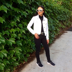 Isabella Loong - Quay Australia Marble Reflective Sunglasses, Asos White Denim Jacket, Asos Black Skinny Jeans, Nike Roshe Run Sneakers, Asos Black Turtle Neck Top - Back to black + white tones